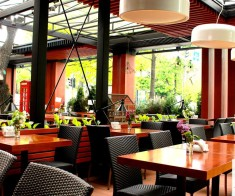 Dickens Restaurant & Bar