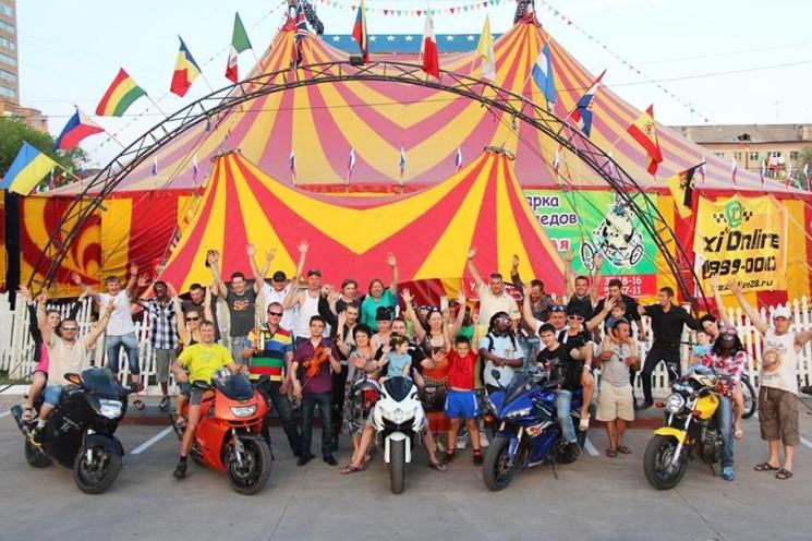 Знаменитый цирк-шапито Демидовых в Mega Park