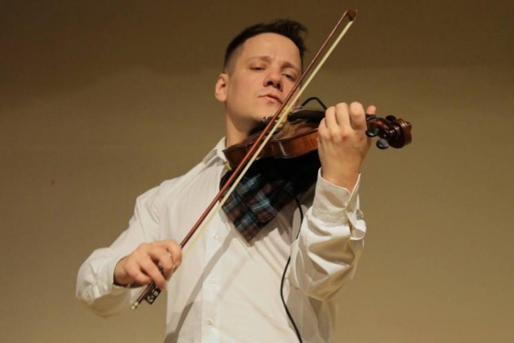 Танцуюший скрипач. Степан Мезенцев