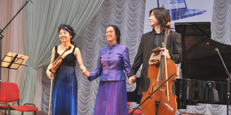 "Концерт ""Kazakh-British Trio"""