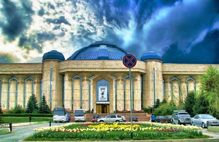 centralnyi_gosudarstvennyi_muzei_respubliki_kazahstan-832-232_ru