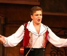 Опера снова в MEGA