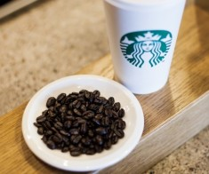 Starbucks в Esentai Tower