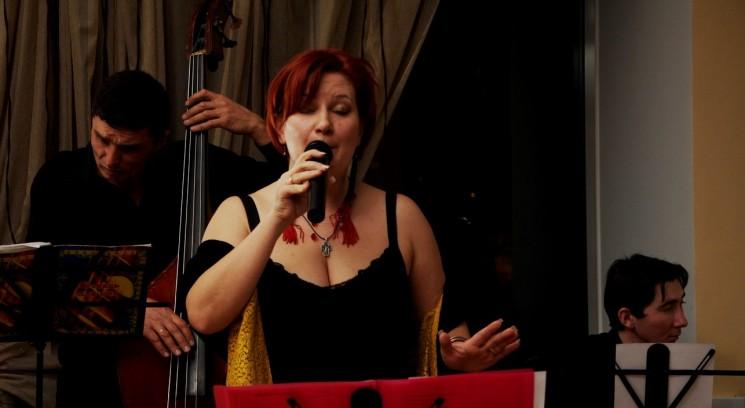 Crazy Pianos & Ирен Аравина
