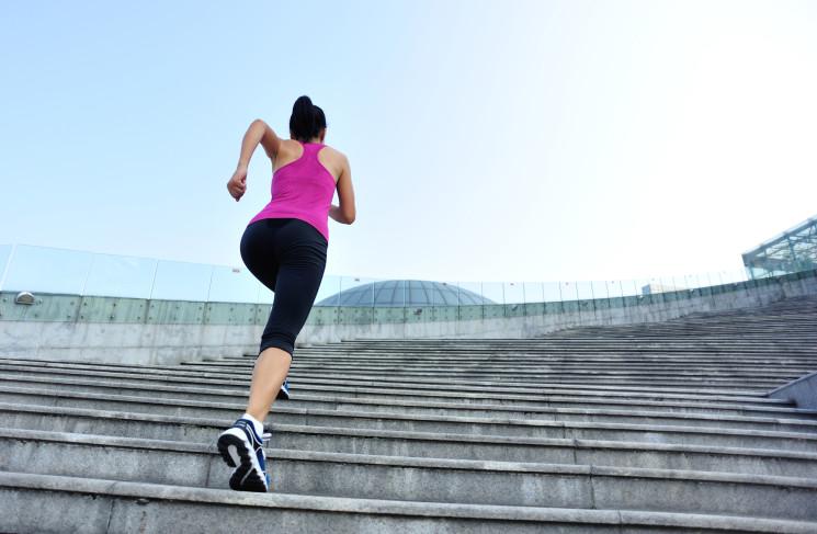 Массовый забег по лестнице Медеу