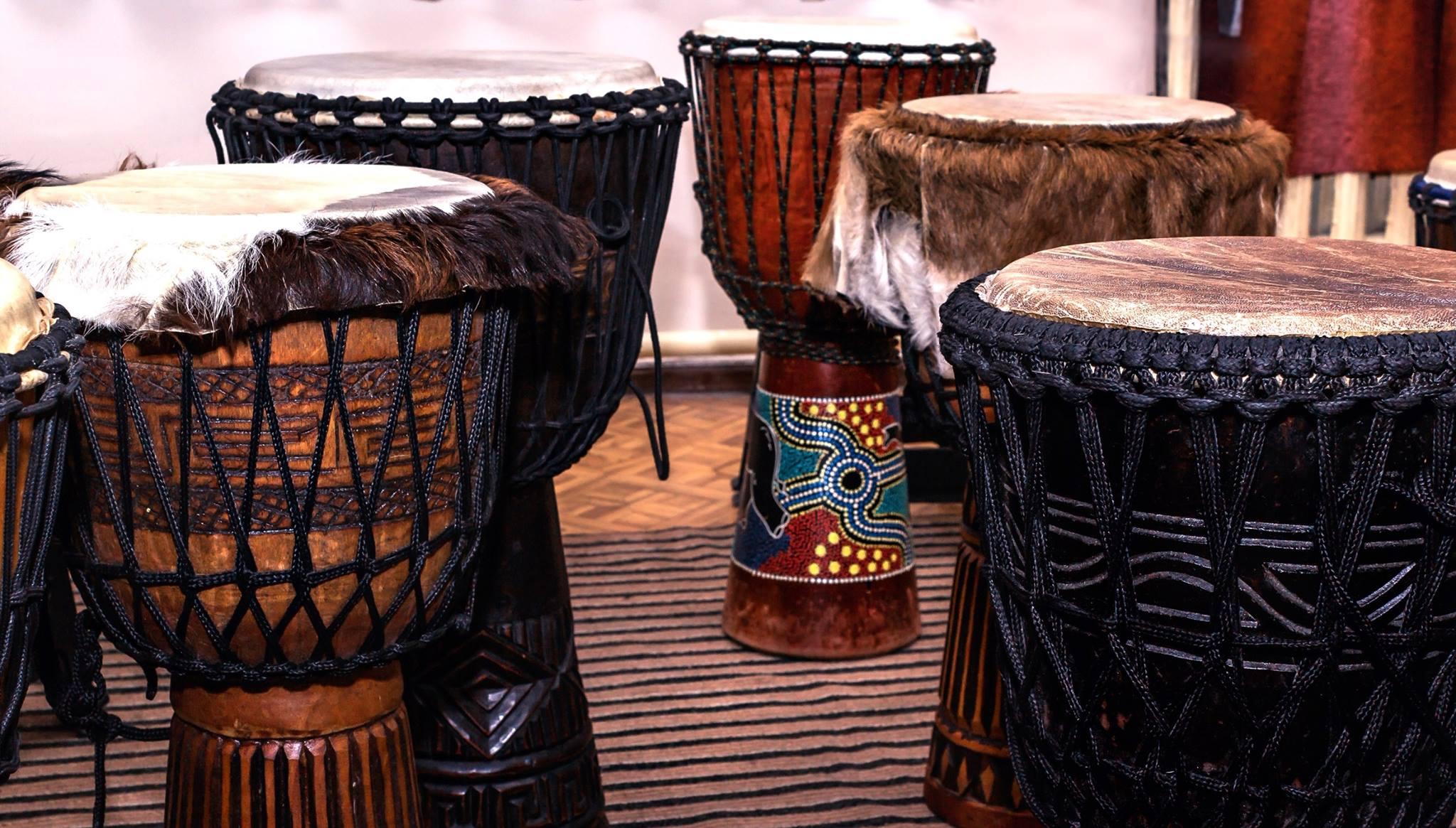 Барабан у африканцев картинки