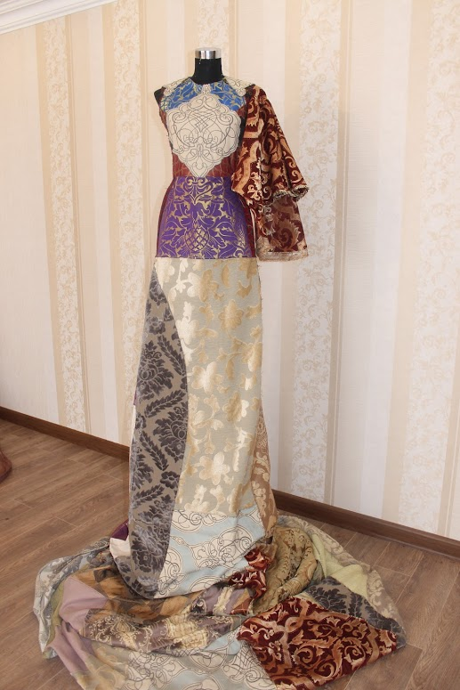 Выставка платьев «Великий Шёлковый путь»