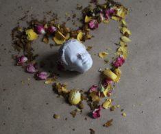 Выставка «А от ненависти до любви…»