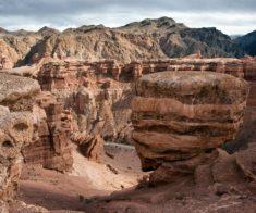 Увлекательная Поездка на ночной Чарынский каньон в «Долину Замков»