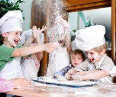 Детский мастер — класс «Лепим пирожки»