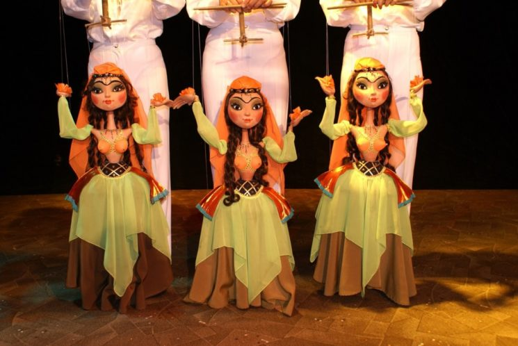 Куклы шоу