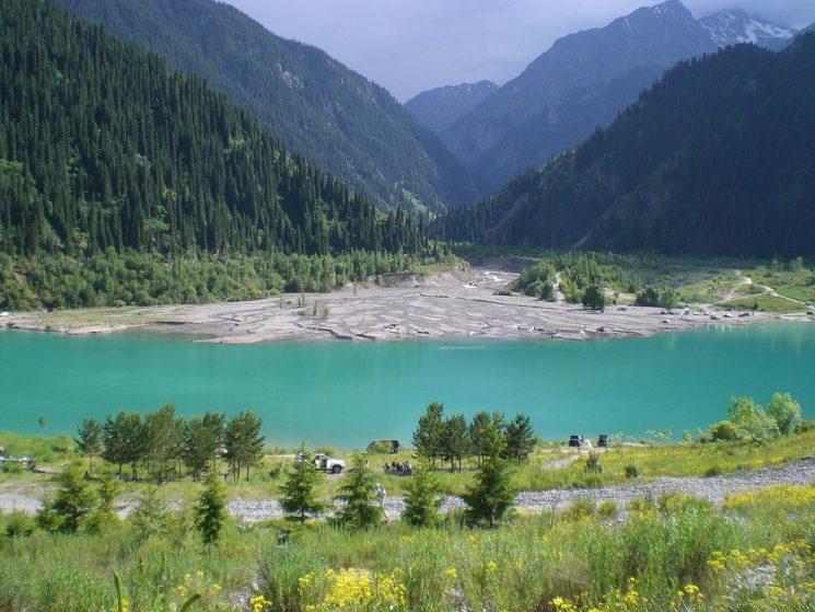 ozero_issyk-_kazahstan