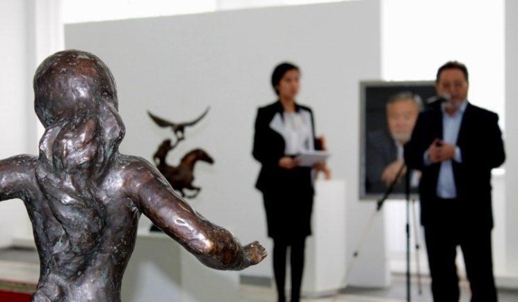"""Выставка скульптуры """"Искусство для всех!"""""""