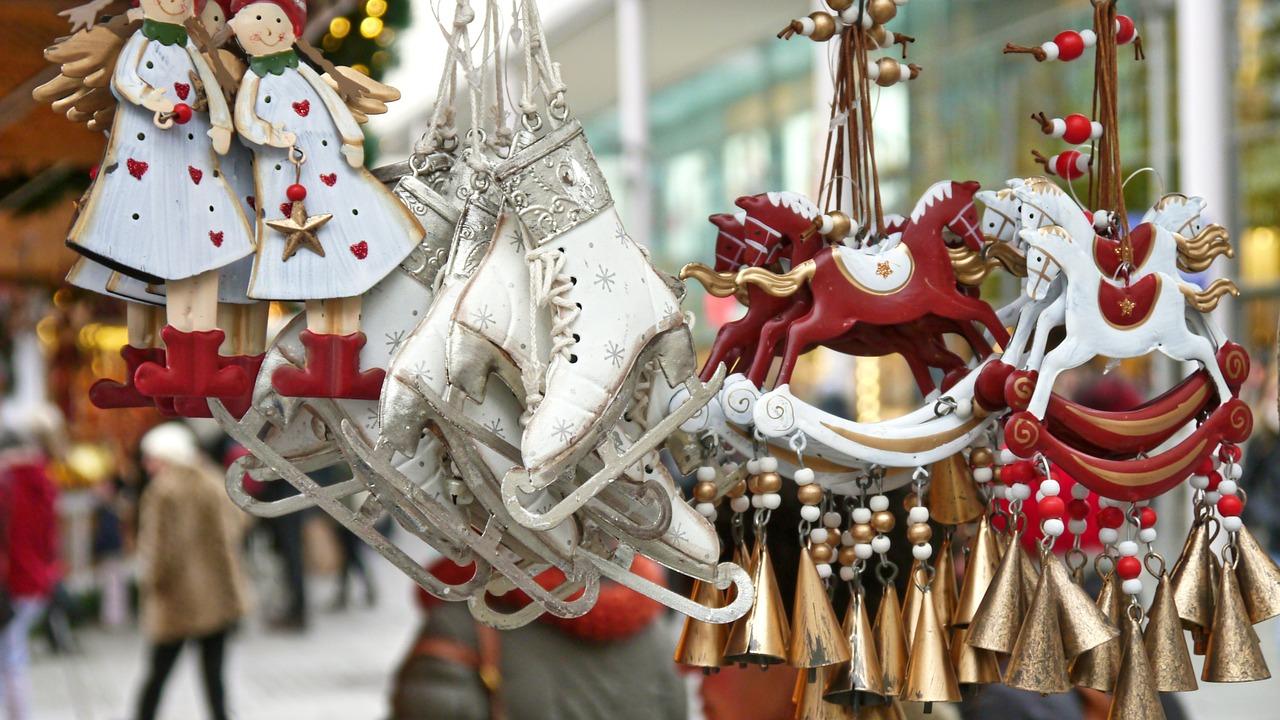 christmas-market-563199_12805a45df6150e95