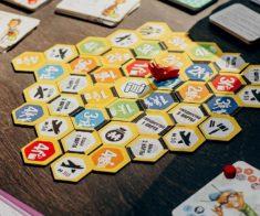 Обучение игре Beesiness: пчелиное дело