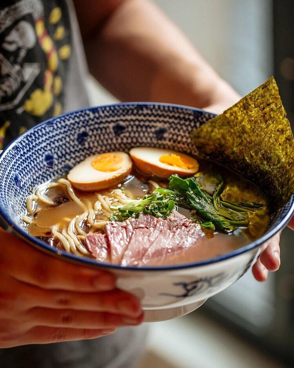 tokyo-ramen-izakaya-bar