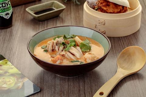 tom-yam-s-kuritsej-i-krevetkami-v-bao-sushi-noodles-bar