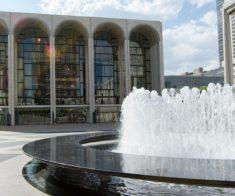 Онлайн-трансляции The Metropolitan Opera
