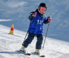 Обучение катанию на горных лыжах для детей
