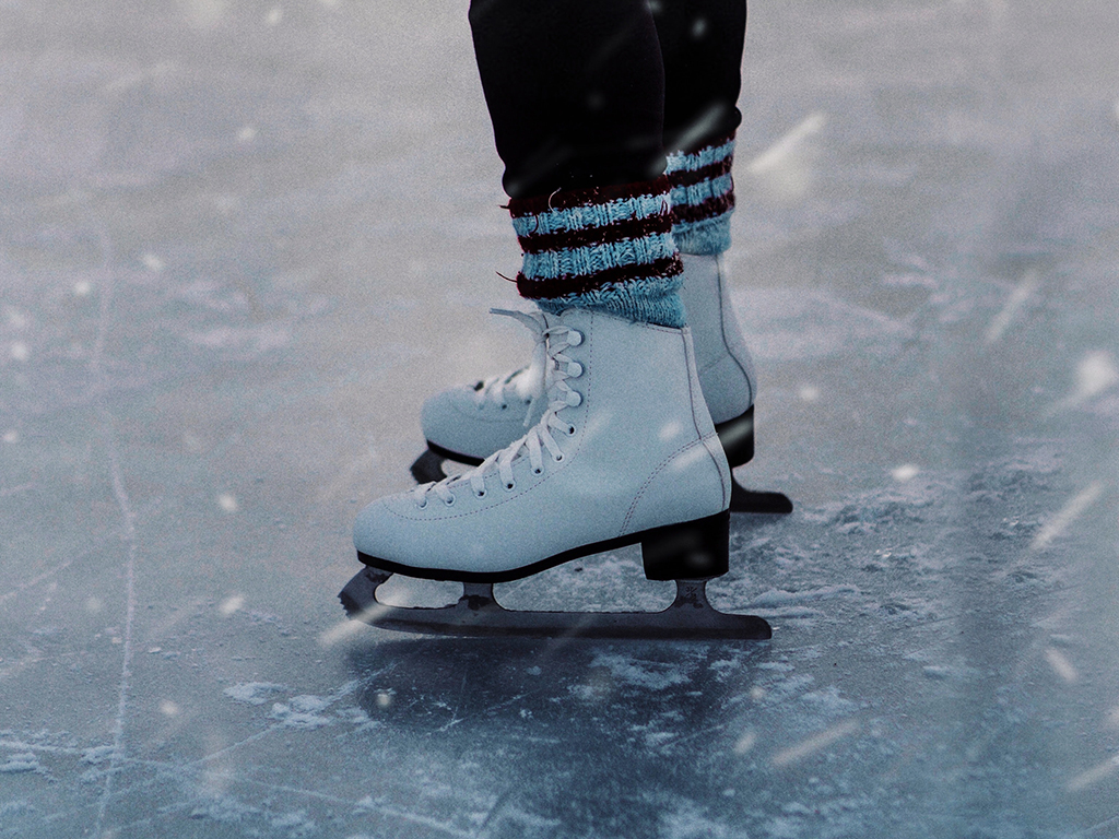 person-ice-skating-3737687