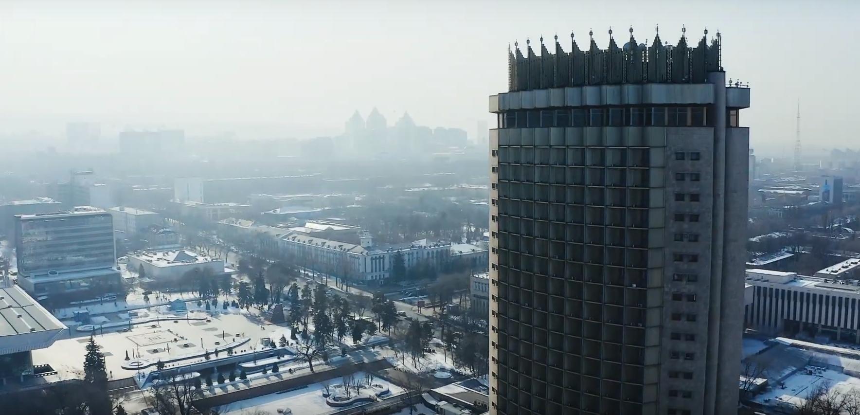 skver-za-gostinitsej-kazahstan