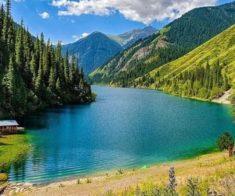 Кемпинг на озёрах Кольсай