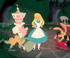 Книжный герой: «Алиса в стране чудес»