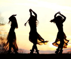 Круговые этно танцы