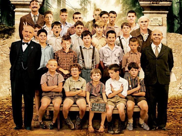 oboi-na-stol-com-137702-filmy-horisty-deti-les-choristes-film-filmy-kino