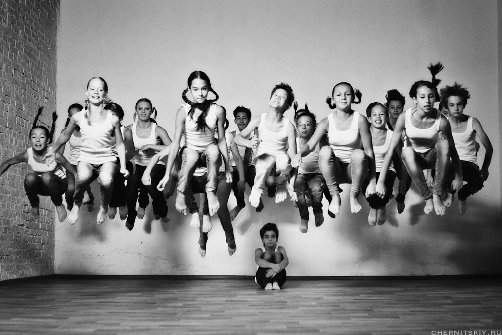 фотосессия для танцевального коллектива цветам