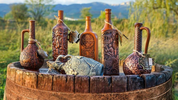 gruzinskoe-vino-1-jpg-pagespeed-ce-4g7mnk4v9z