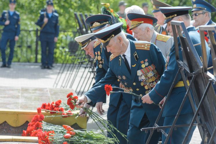 Столичный марш и возложение цветов