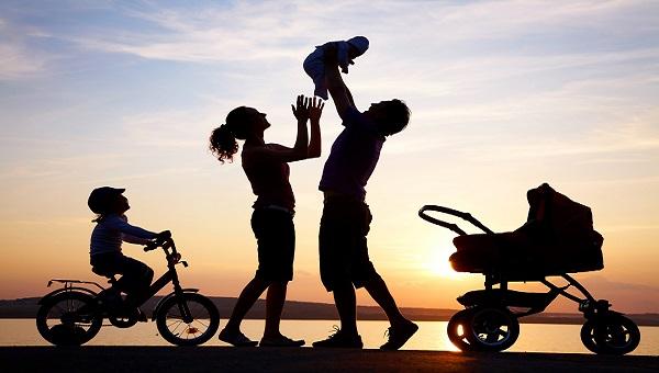 happy-family-cariful