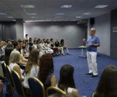 Видеопросмотр встречи Мастера ХОРА с молодежью