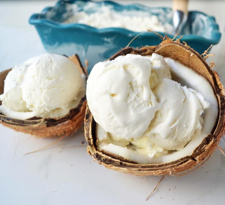 uzhivanje-vo-letnite-denovi-domashen-sladoled-od-kokos-i-belo-chokolado