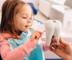 Где лечить зубы ребёнку