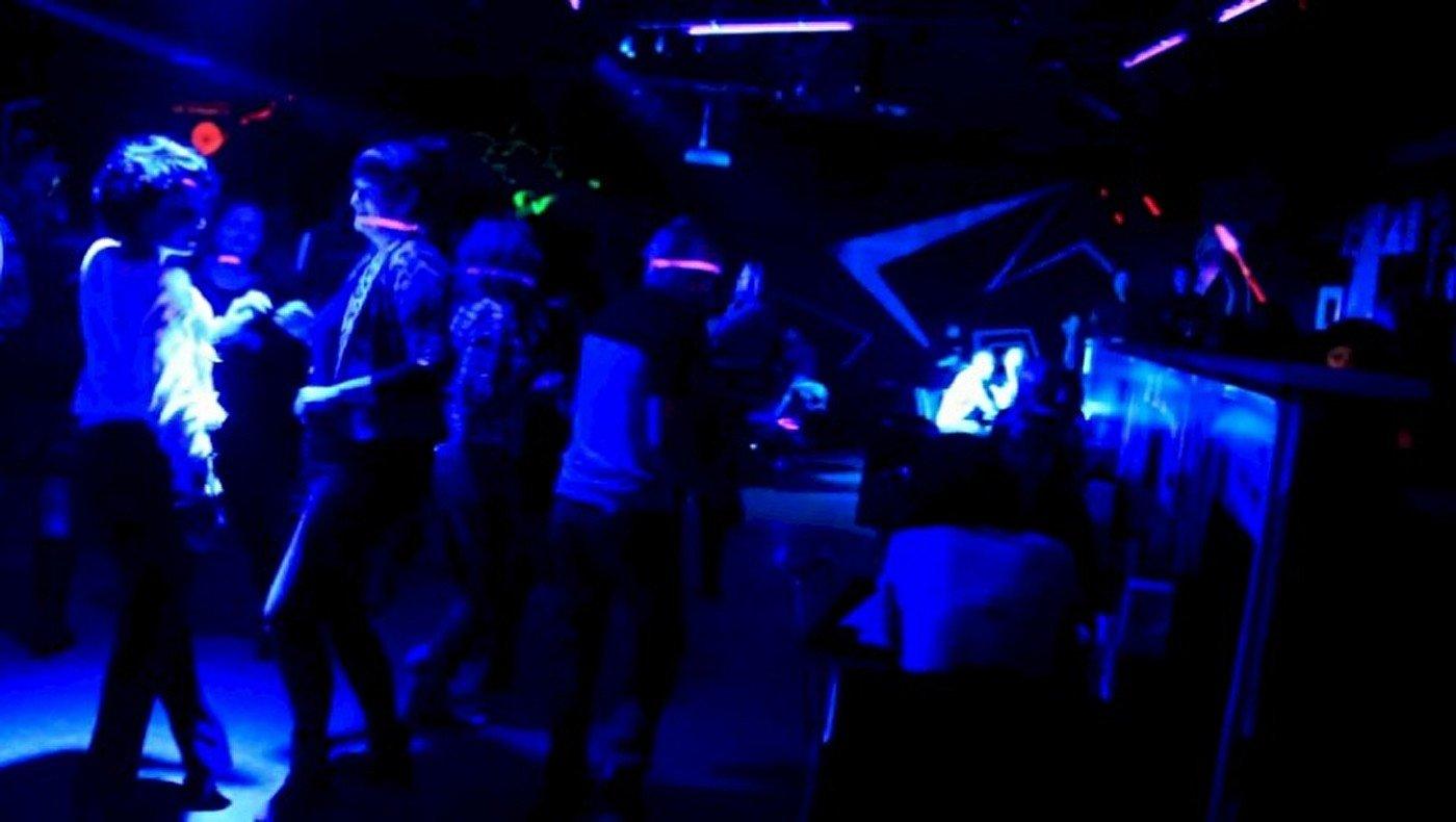 Ночной клуб чердак телефон сценарии вечеринок в ночных клубах