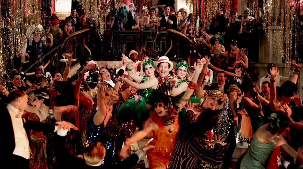 gatsbys lifestyle as the representation of the idea of the american dream in the great gatsby by f s The decline of the american dream in the 1920s on the surface, the great gatsby is a story of the thwarted love between a man and a woman the reckless jubilance that led to decadent parties and wild jazz music—epitomized in the great gatsby by the opulent parties that gatsby throws every.